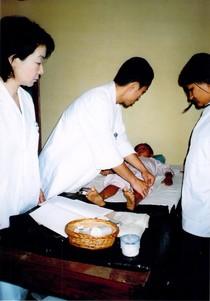 ネパールボランティア 鍼灸治療